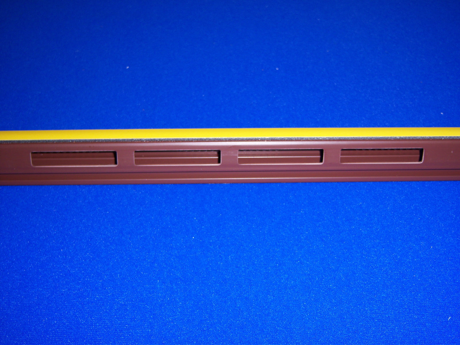 Pst004 Ultraframe Punched Glazing Support Trim 950mm